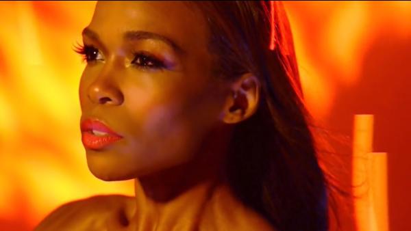 Michelle-Williams-Video_Fire