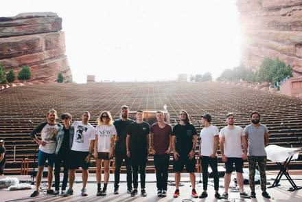 """HILLSONG UNITED CELEBRATES CAREER FIRST #1 RADIO SONG WITH """"OCEANS"""""""