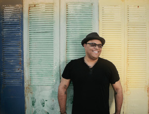 Israel_Houghton-Covered