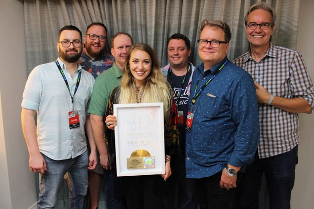 Lauren Daigle Achieves Two Gold Singles with 500,000 Units Sold
