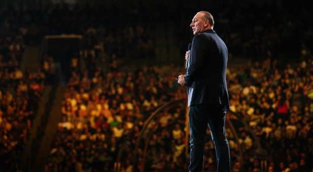 Hillsong Becomes Its Own Denomination – Splits From Assemblies of God in Australia